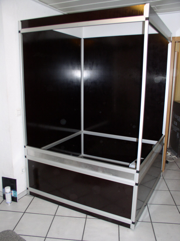 terrarium aus aluminium und siebdruckplatten 140x40x230cm selber bauen marine system. Black Bedroom Furniture Sets. Home Design Ideas