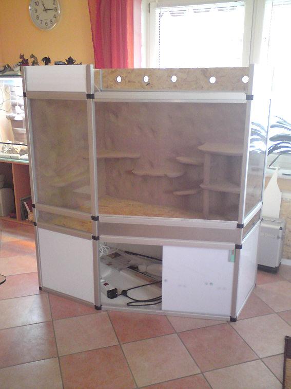 terrarium aus aluminium und siebdruckplatten delta. Black Bedroom Furniture Sets. Home Design Ideas